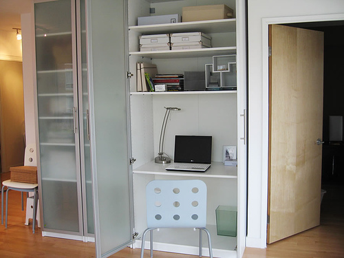 exemple armoire de bureau ikea. Black Bedroom Furniture Sets. Home Design Ideas