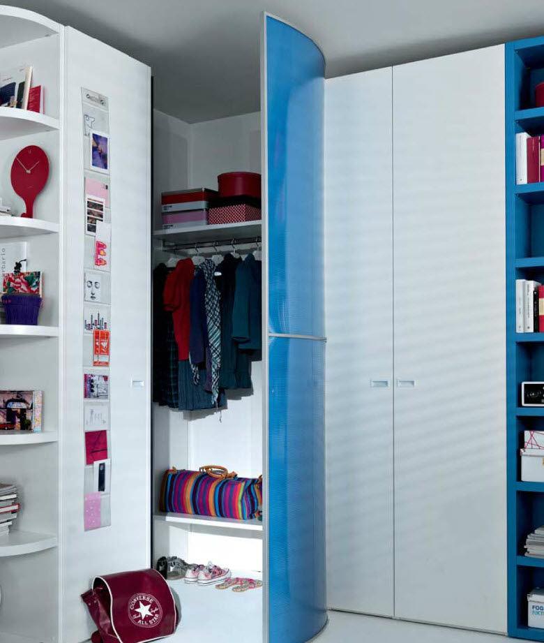 Organisation armoire de chambre en coin for Armoire coin pour chambre