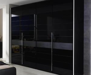 armoire de chambre noire