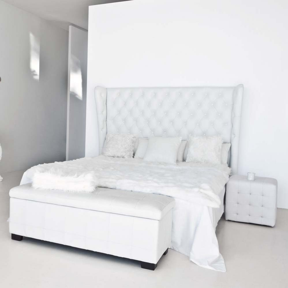 coffre bout de lit blanc maison design. Black Bedroom Furniture Sets. Home Design Ideas
