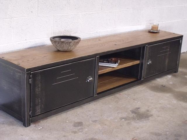 visuel buffet bas metal industriel. Black Bedroom Furniture Sets. Home Design Ideas