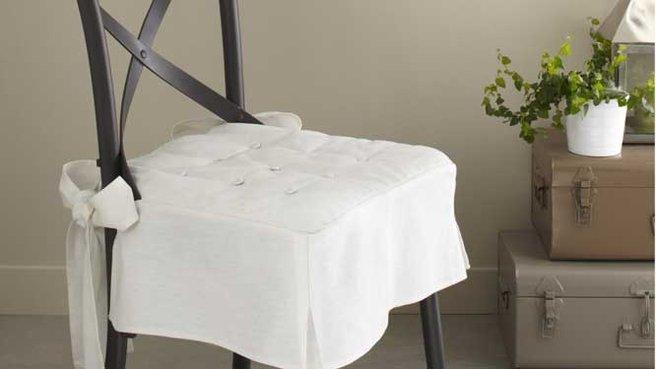 Galette de chaise avec un noeud - Galette de chaise avec dossier ...