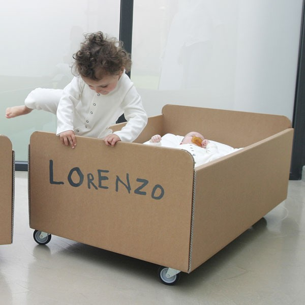 lit bebe en carton. Black Bedroom Furniture Sets. Home Design Ideas