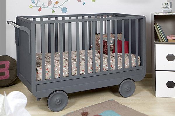 lit bebe roulette. Black Bedroom Furniture Sets. Home Design Ideas
