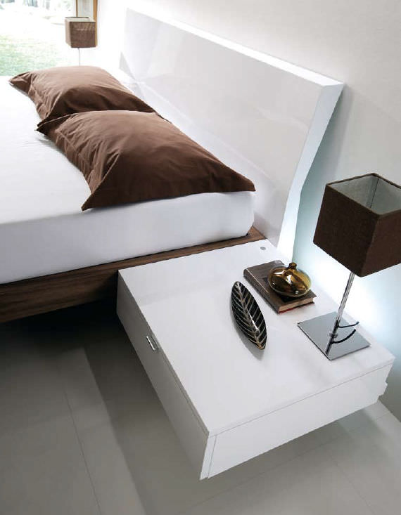 photo table de chevet murale. Black Bedroom Furniture Sets. Home Design Ideas