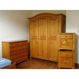 armoire de chambre en pin massif. Black Bedroom Furniture Sets. Home Design Ideas