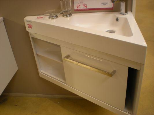 Meuble salle de bain d angle - Organisation salle de bain ...