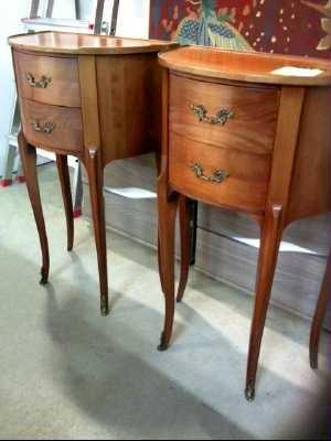 table de chevet louis xv occasion. Black Bedroom Furniture Sets. Home Design Ideas