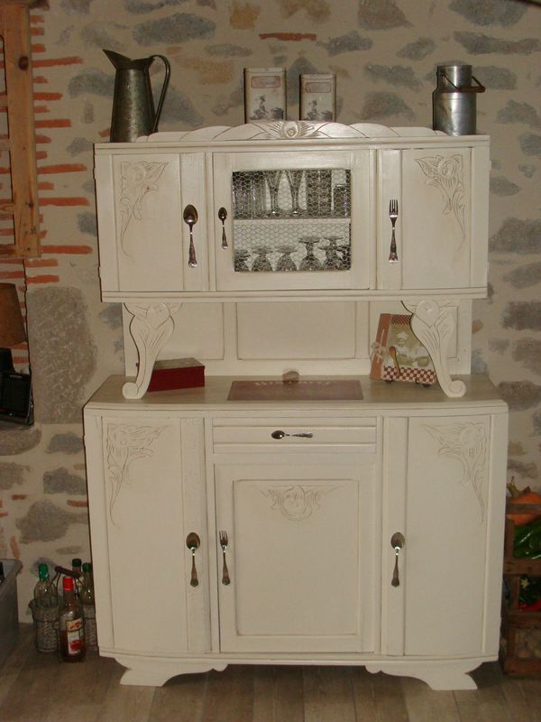 Photo buffet de cuisine relooke for Moderniser un meuble ancien