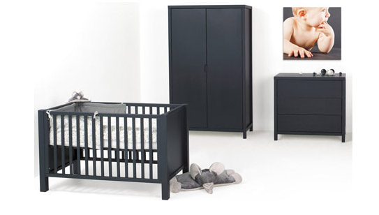 id e lit bebe noir. Black Bedroom Furniture Sets. Home Design Ideas