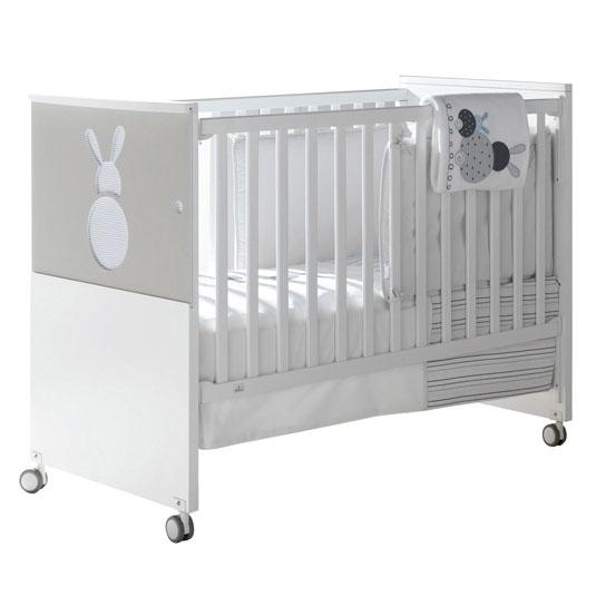 lit bebe un an. Black Bedroom Furniture Sets. Home Design Ideas