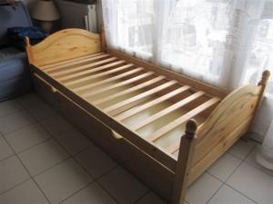 lit une personne le bon coin. Black Bedroom Furniture Sets. Home Design Ideas
