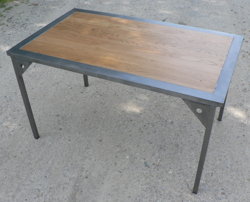 Photo table a manger metal et bois - Table a diner bois et metal ...