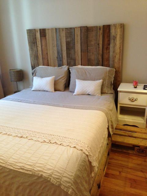 Tete de lit avec bois de grange for Meuble avec bois de grange
