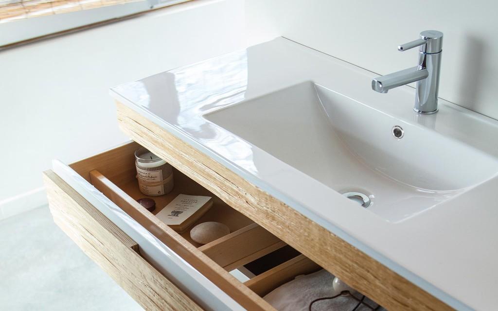 Armoire salle de bain bois massif for Armoire salle de bain en bois