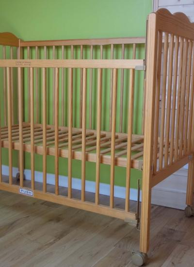 lit bebe trama. Black Bedroom Furniture Sets. Home Design Ideas