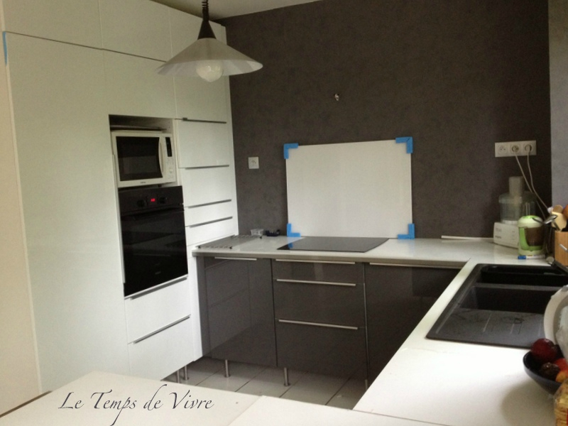 Meuble cuisine suspendu au plafond id e for Meuble cuisine roulant