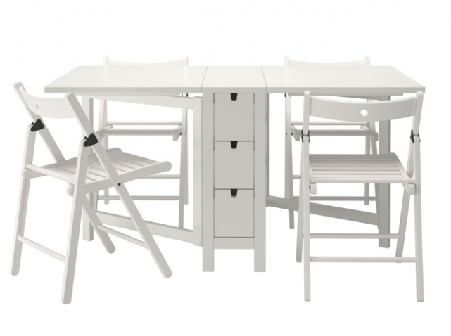 Mod le table d 39 appoint pliante ikea for Ikea besta table d appoint