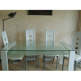 Table en verre salle a manger conforama for Table salle a manger carree conforama
