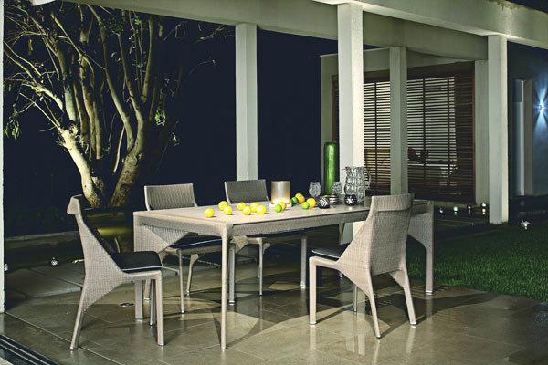 exemple table et chaises salle a manger roche bobois