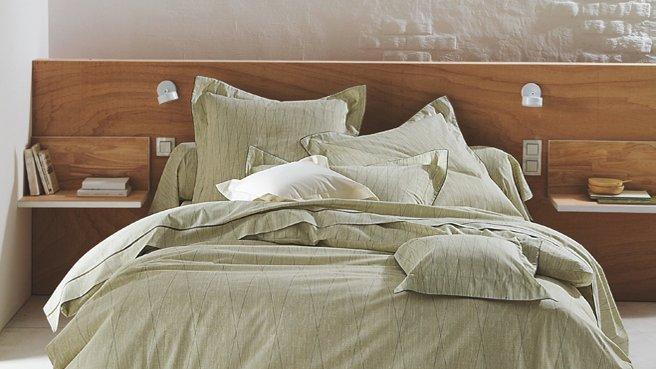 tete de lit en bois. Black Bedroom Furniture Sets. Home Design Ideas