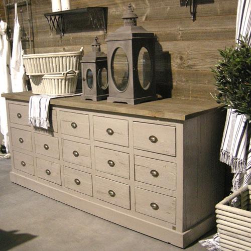 etagere d 39 angle en verre leroy merlin. Black Bedroom Furniture Sets. Home Design Ideas