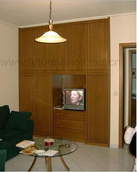Armoire de chambre avec tv for Chambre a coucher avec placard