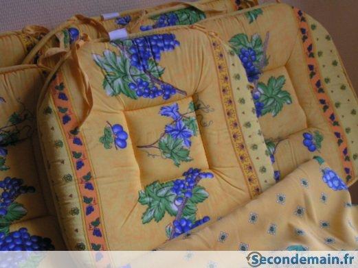 galette de chaise et nappe assortie
