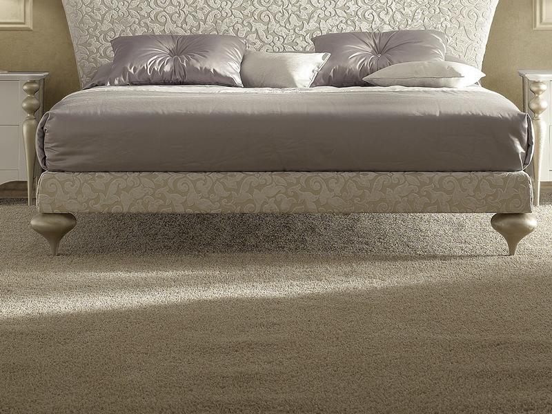 pieds de lit en bois tourne