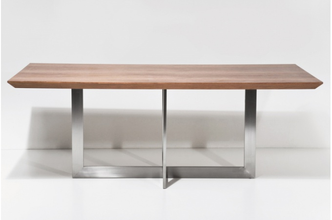 Exemple table a manger design bois - Table a manger metal et bois ...