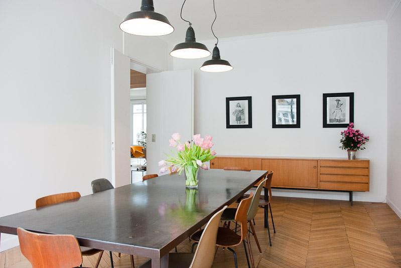 mod le table a manger vintage. Black Bedroom Furniture Sets. Home Design Ideas