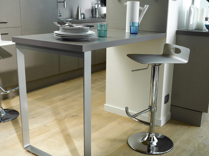Table de bar fixe au mur for Table de cuisine murale pliable