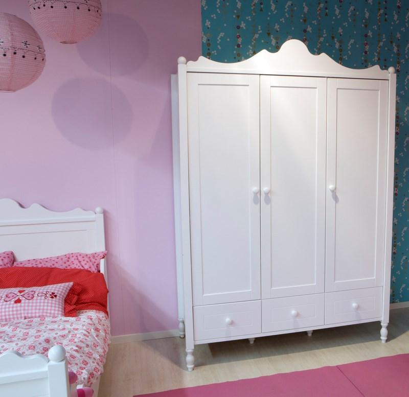 armoire designe armoire chambre style romantique dernier cabinet id es pour la maison moderne. Black Bedroom Furniture Sets. Home Design Ideas