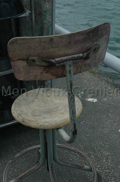 photo chaise de bureau d 39 architecte. Black Bedroom Furniture Sets. Home Design Ideas