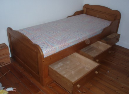 lit 1 personne interiors. Black Bedroom Furniture Sets. Home Design Ideas