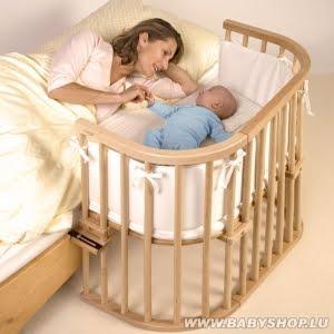 lit bebe qui s'ouvre sur le cote