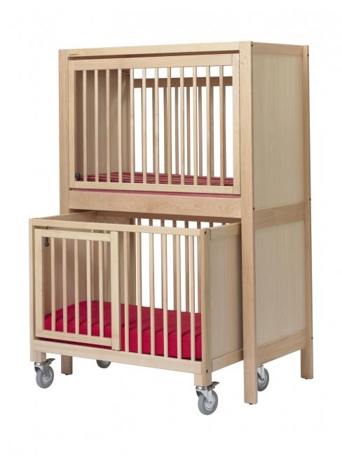lit b b qui s 39 ouvre sur le cot. Black Bedroom Furniture Sets. Home Design Ideas