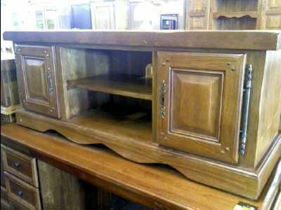 photo meuble tv bas en chene massif. Black Bedroom Furniture Sets. Home Design Ideas