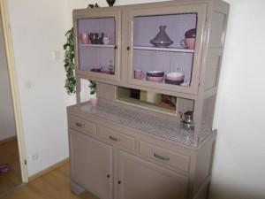 photo vaisselier grillage poule. Black Bedroom Furniture Sets. Home Design Ideas