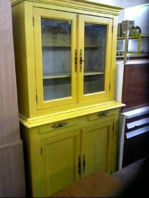 vaisselier jaune