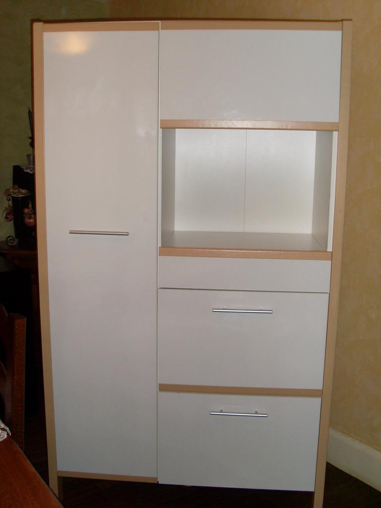 Buffet de cuisine pour micro onde - Barre pour accrocher meuble de cuisine ...