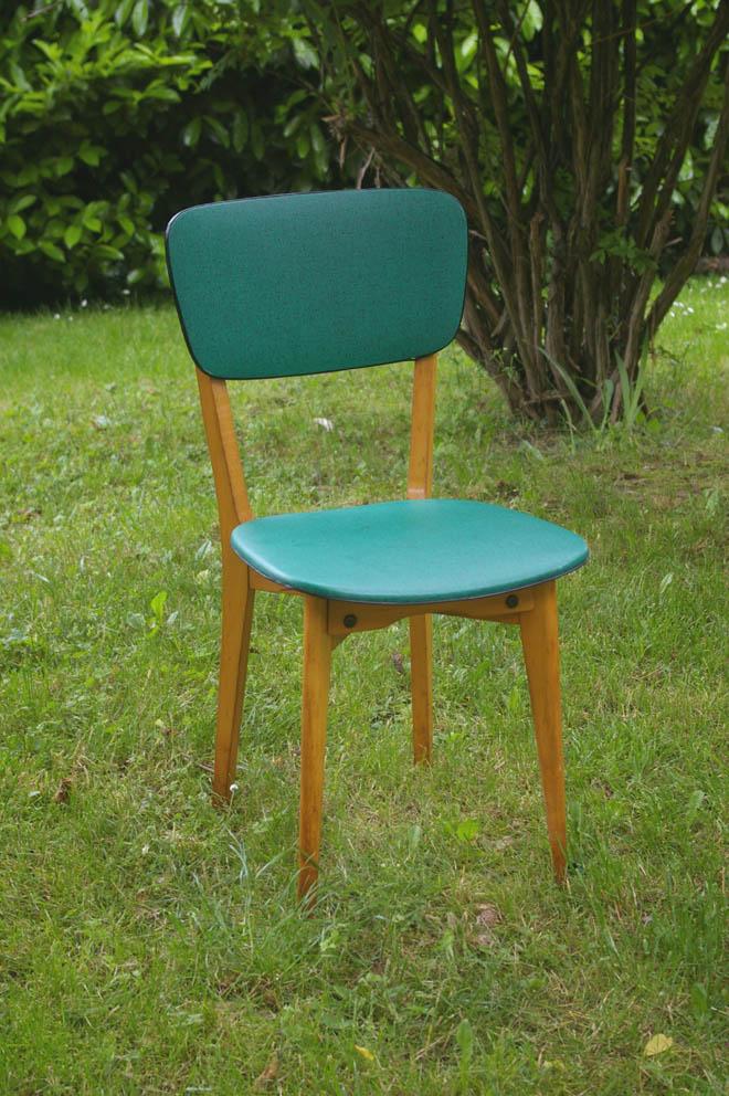 Photo chaise de cuisine vintage