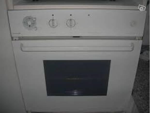 Four encastrable pyrolyse chaleur tournante - Thermostat 7 chaleur tournante ...