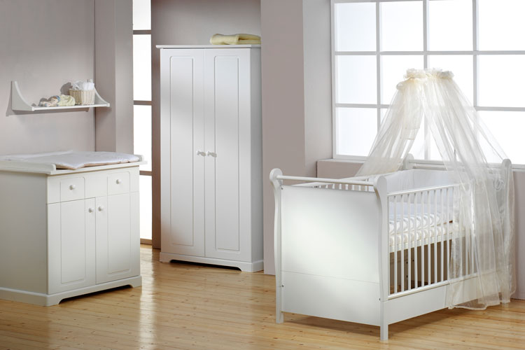 lit bebe anglais. Black Bedroom Furniture Sets. Home Design Ideas