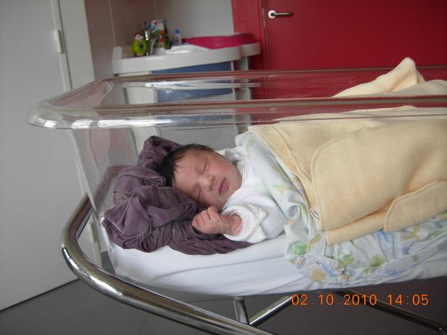 lit bebe maternite. Black Bedroom Furniture Sets. Home Design Ideas