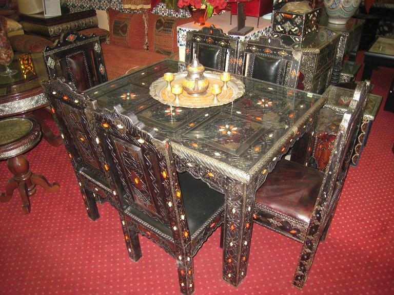 table a manger maroc. Black Bedroom Furniture Sets. Home Design Ideas