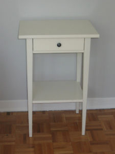 Table de chevet kijiji montreal for Meuble de salle de bain kijiji montreal
