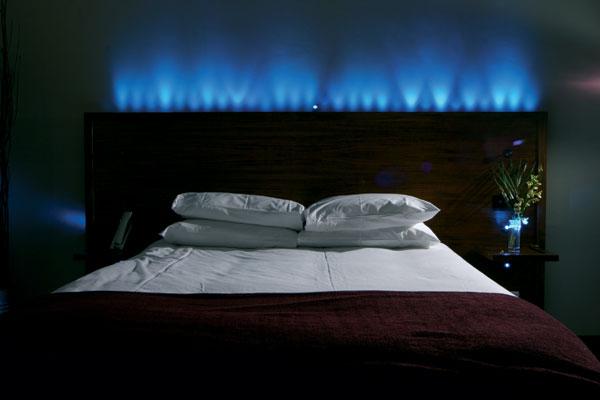mod le tete de lit originale deco. Black Bedroom Furniture Sets. Home Design Ideas