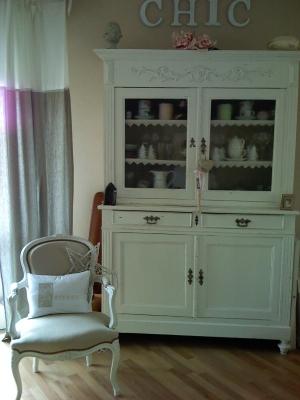 vaisselier repeint. Black Bedroom Furniture Sets. Home Design Ideas