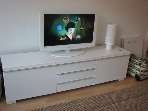 Commode laque blanc ikea for Meuble tv bas blanc laque